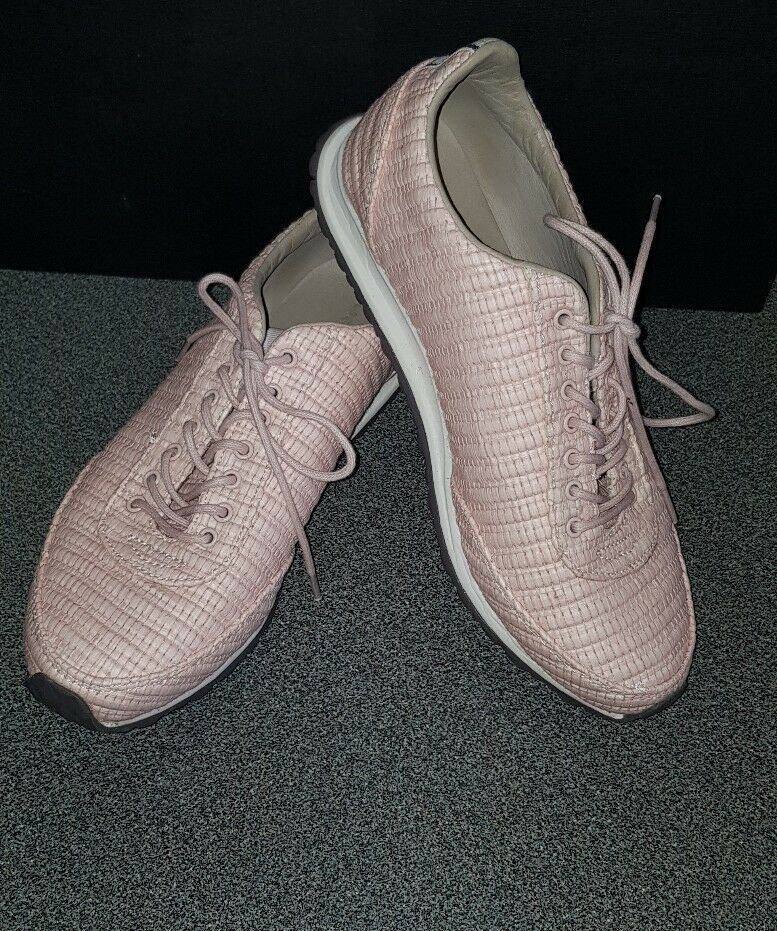 Stunning Womens Lacoste Helaine Trainers Size Eur 37