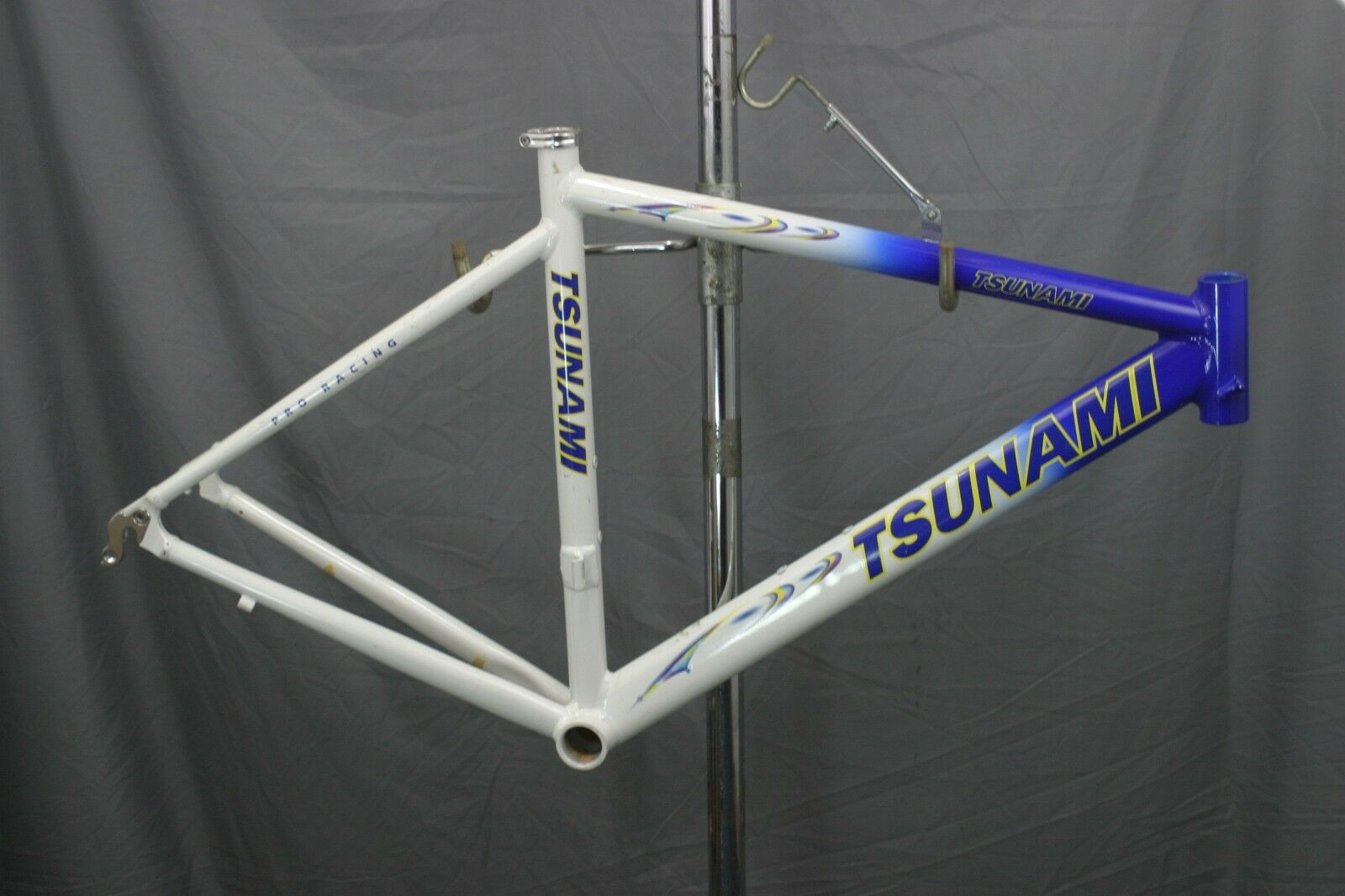 Tsunami Pro Road Bike Frame NEW Racing Triathalon Crit Small TX USA made Charity