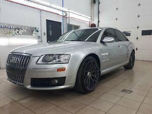 2007 Audi S8 -