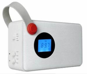 Radio Digitale Portatile DAB Bluetooth FM RDS Aux colore Bianco Akai AKBT60
