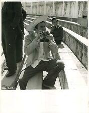 PANDORA AND THE FLYING DUTCHMAN 1951 JAMES MASON Camera Sombrero PUBLICITY PHOTO