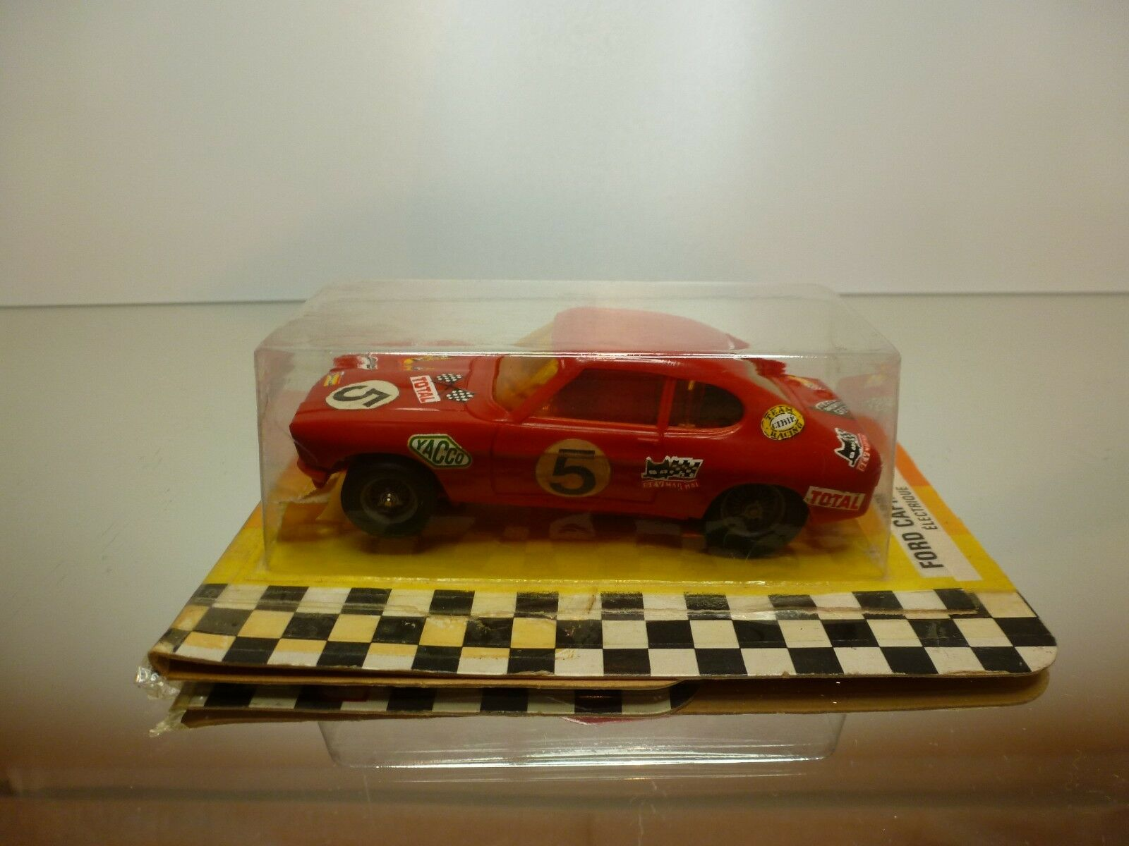 JOUEF 3657 SLOT CAR FORD CAPRI - rouge L10.0cm - RARE - GOOD IN CARD-BLISTER