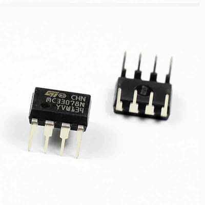 2 pcs -18V  LN  SO8  NEW  #BP MC33078D  ONSEMI//ST  2xOp-Amp