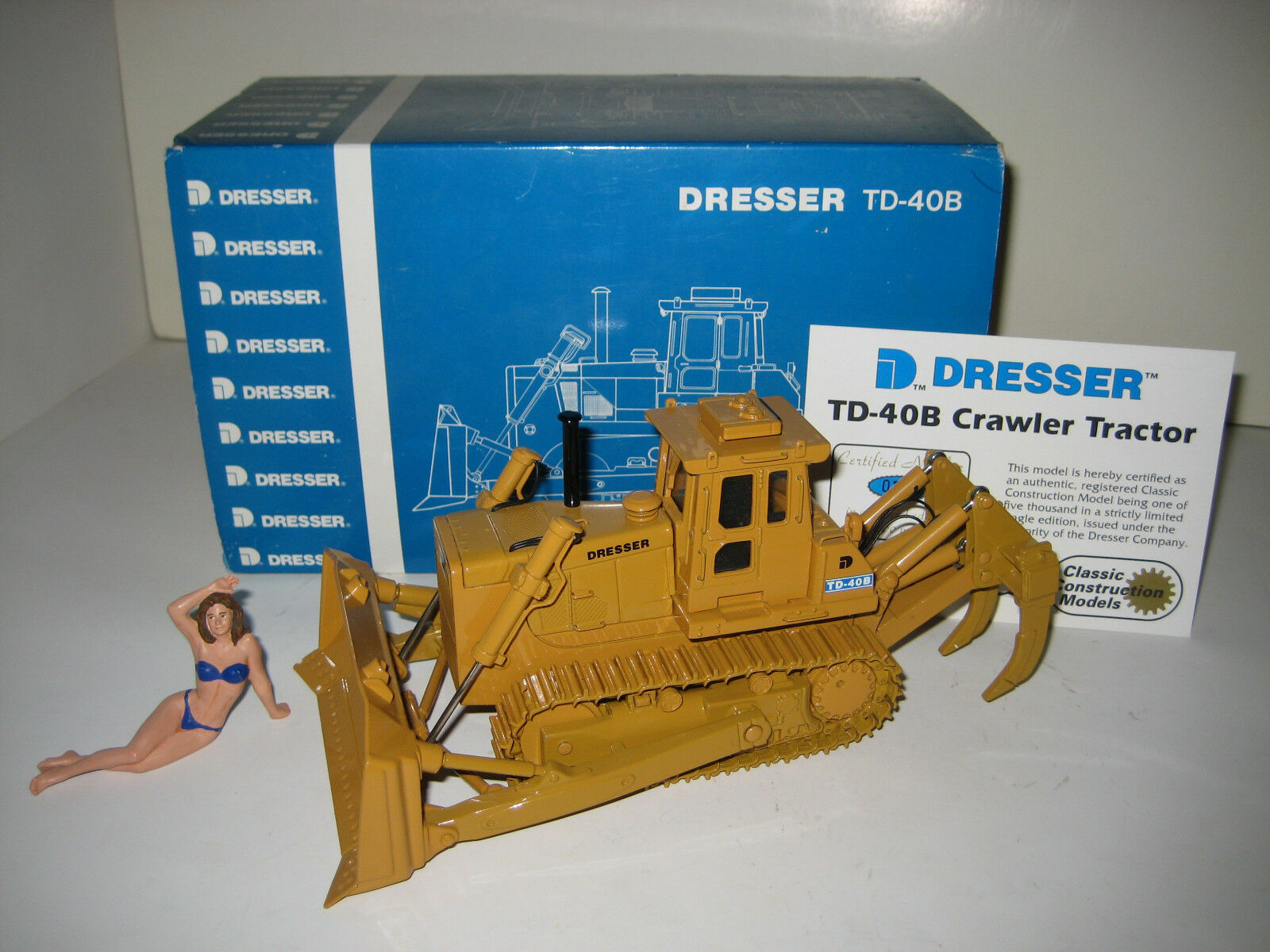 Dresser TD 40 B Ripper bulldozer ccm 1 48 OVP