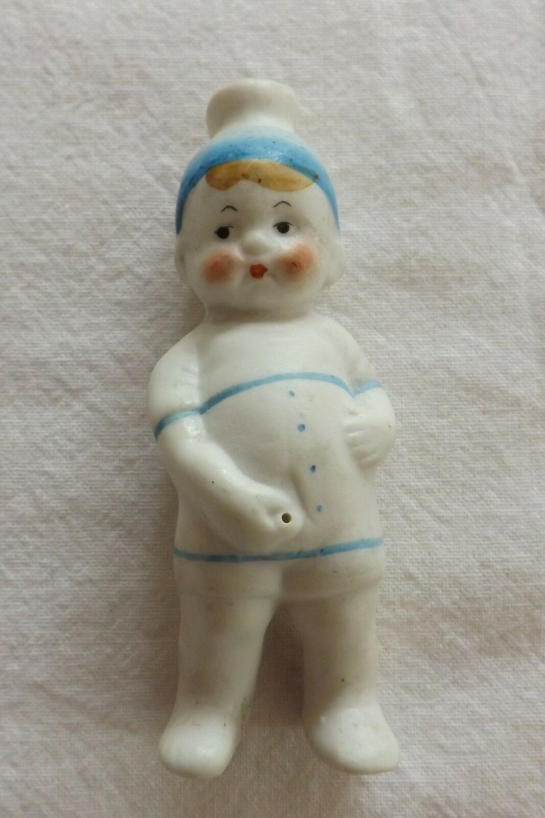 BEAUTIFUL RARE PEEING WEEING GERMAN BISQUE FIGURE OF A YOUNG BOY (294)