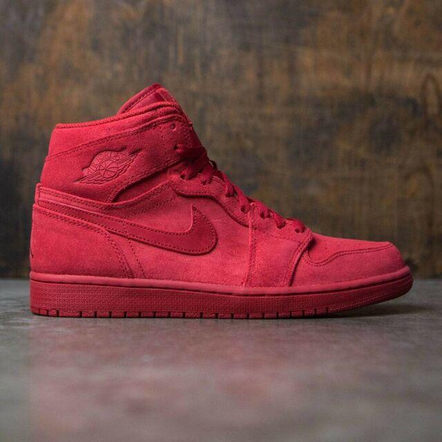 Nike Air Jordan 1 Retro High Triple Red