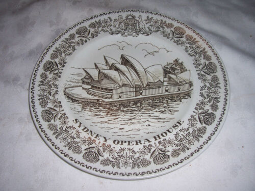 An English Woods & Son Sydney Opera House Comemerative Souvenir Display Plate