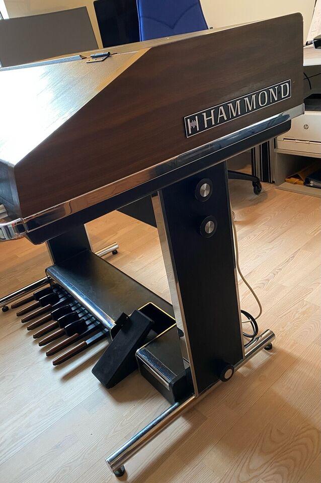 Hammondorgel, Hammond B200
