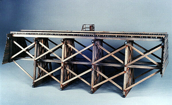 EH5204 Gully Trestle Wood Kit  81' Long Four Bent - Six Leg - S Sn3 Scale NIB