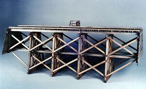 EH5204-Gully-Trestle-Wood-Kit-81-039-Long-Four-Bent-Six-Leg-S-Sn3-Scale-NIB