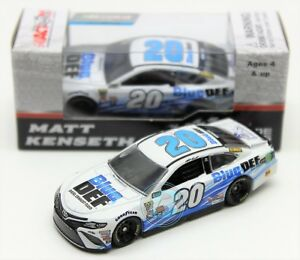 Matt-Kenseth-2017-ACTION-1-64-20-Blue-Def-Toyota-Nascar-Monster-Energy-Diecast