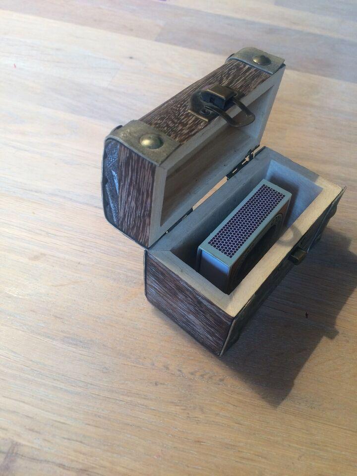 Andet legetøj, Kiste i træ