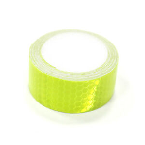 Two Pieces of Green High Intensity Reflective Tape Self-Adhesive 100mm×100mm