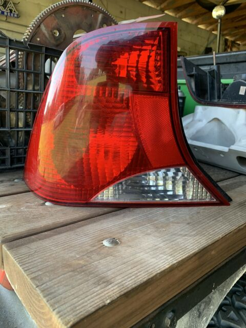 2000 2001 2002 2003 Ford Focus Tail Light Taillight Left Driver Side