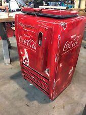 Shabby Look Coca Cola Kühltruhe Kühlschrank Automat  Eyecatcher Majestic