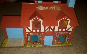 Vintage-1980-Fisher-Price-Tudor-House-Play-Toy