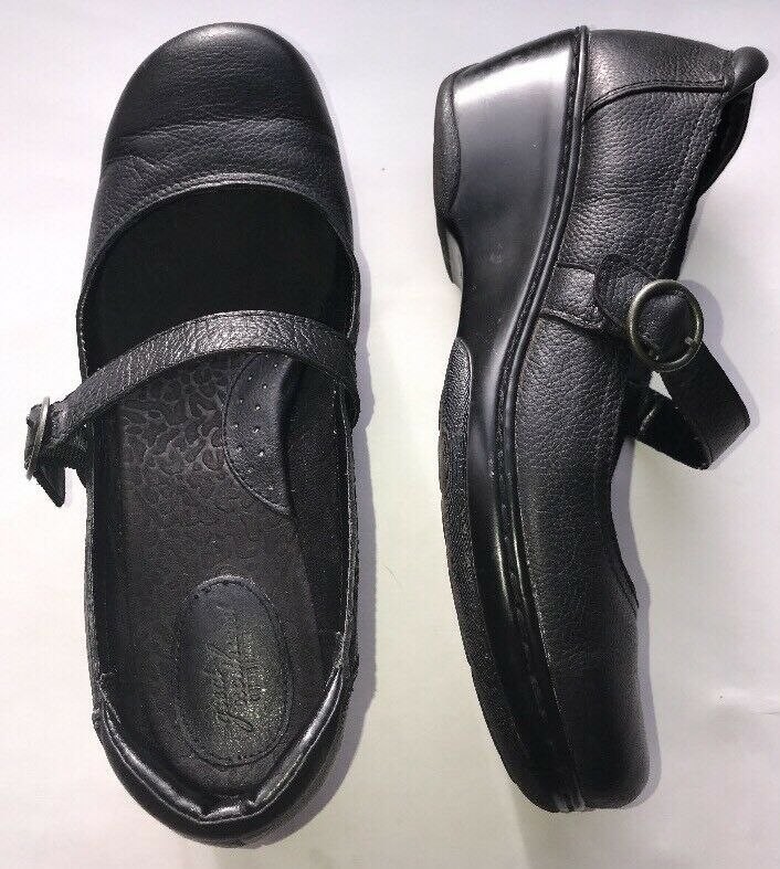 Great Northwest Womens 10M Black Leather Strap Shoes