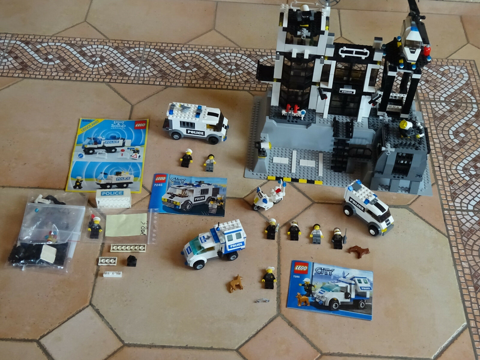 Lot Lego Police  7237  6450 7245  7285  COMPLET