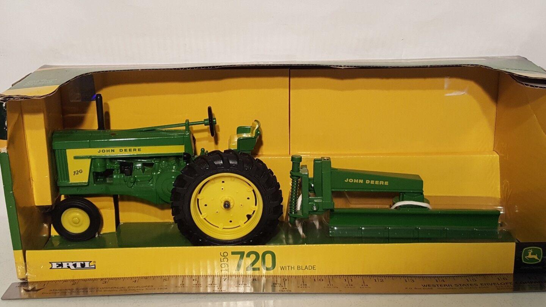 Ertl John Deere 720 w/blade 1/16 die-cast metal farm tractor replica collectible