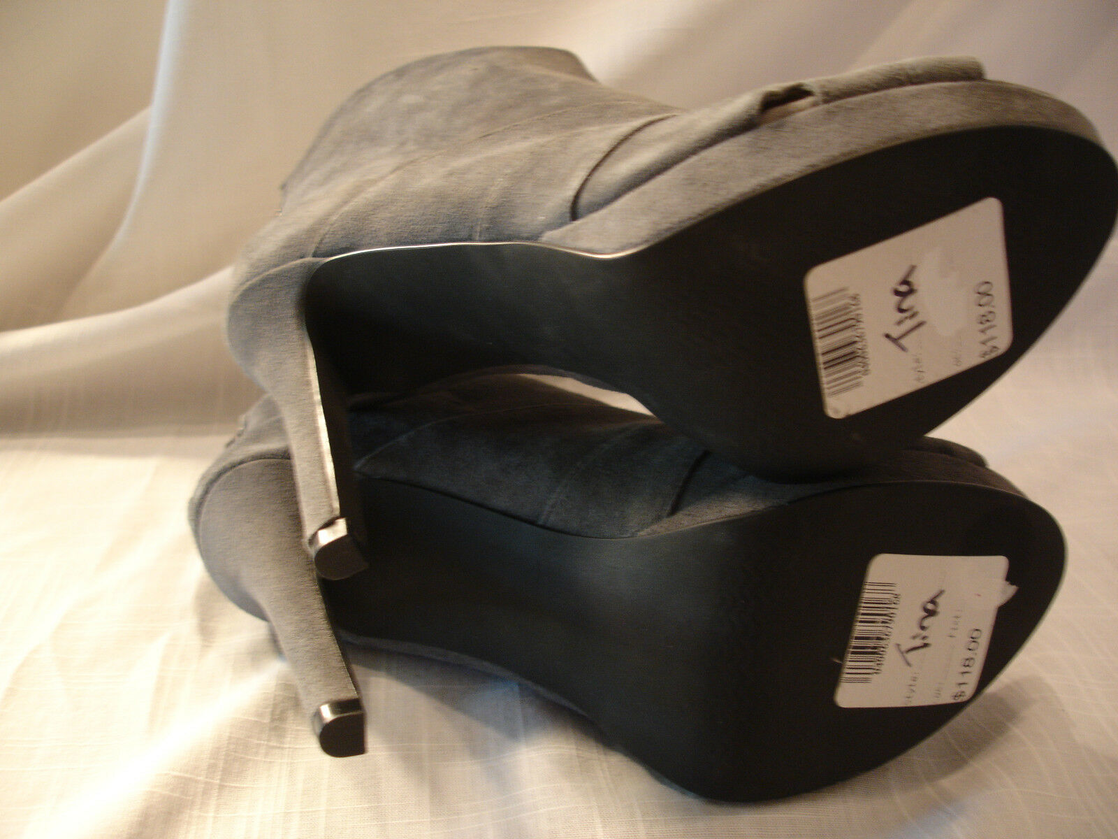 VIA NEROLI Tina Gray Suede High Heels Heels Heels Stiefel Booties 118 Damenschuhe Sz 6 M 896864