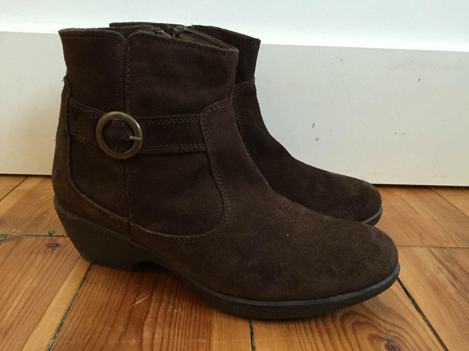 MATALAN LADIES BROWN SUEDE ANKLE BOOTS UK4