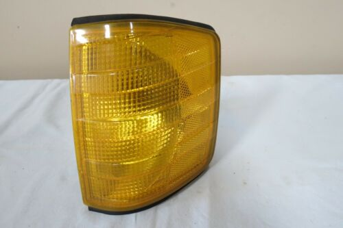 1984-87 88 89 90 91 92 93 Mercedes W201 190 190e Left DRIVER Turn Signal OEM