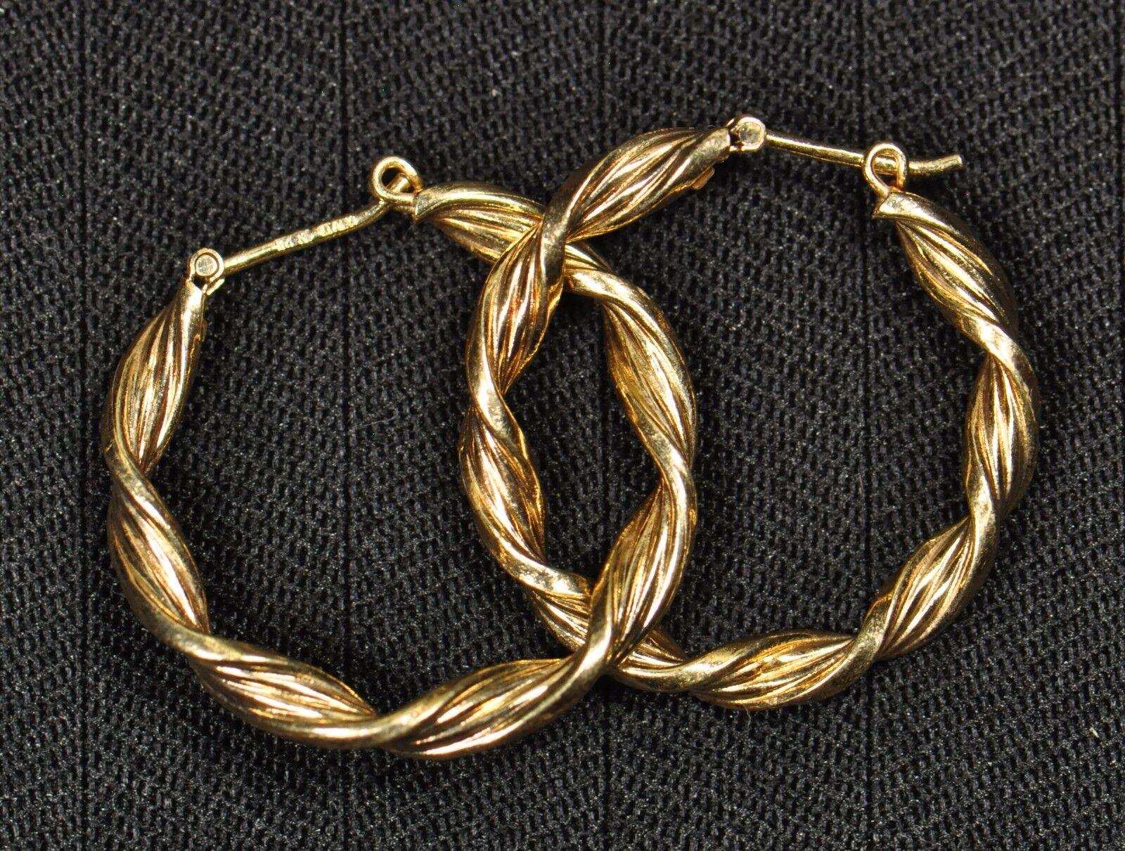 14k Yellow gold Hoop Earrings - Gently Used - J-167A