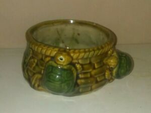 MAJOLICA-STYLE-Flower-Pot-PLANTER-FOLK-ART-with-2-TURTLES-Figural-ART-POTTERY