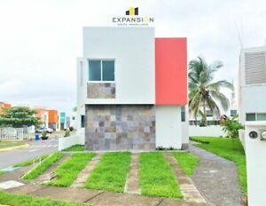 Casa en venta de 4 hab, una en planta baja en Fracc. Banus, Veracruz