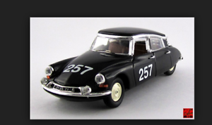 Citroen-DS-19-Mille-Miglia-1957-sobre-Bourillot-4158-1-43-Rio-Made-in-Italy