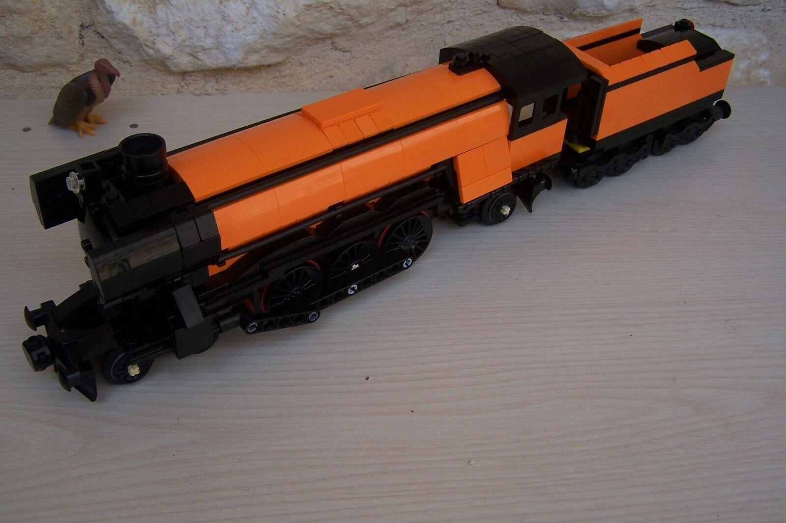 Lego train emerald night 10194 with tender , modified .... Orange and schwarz ....