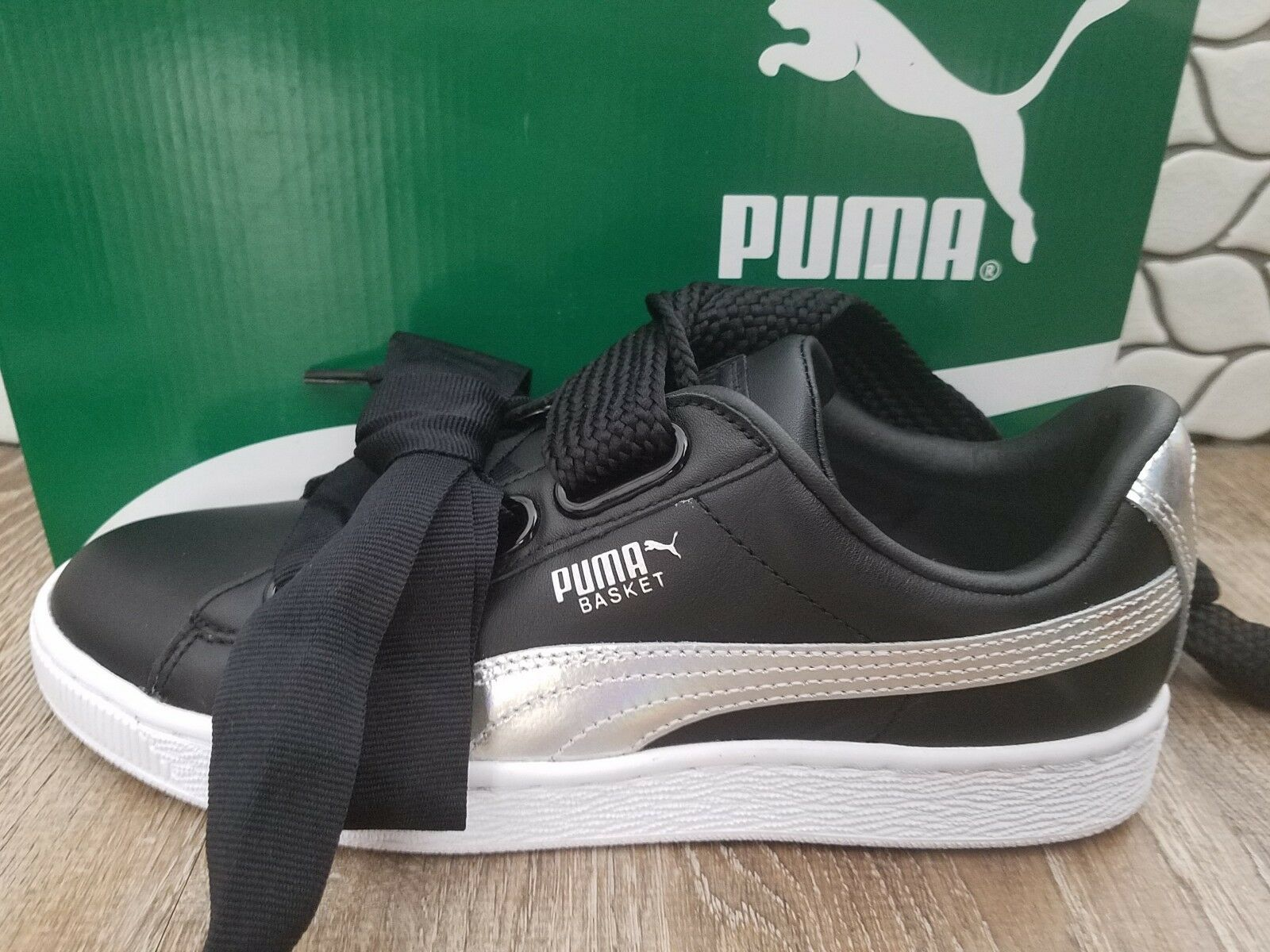 PUMA Womens Basket Heart Explosive Leather 7.5 Black   Silver Sneakers shoes