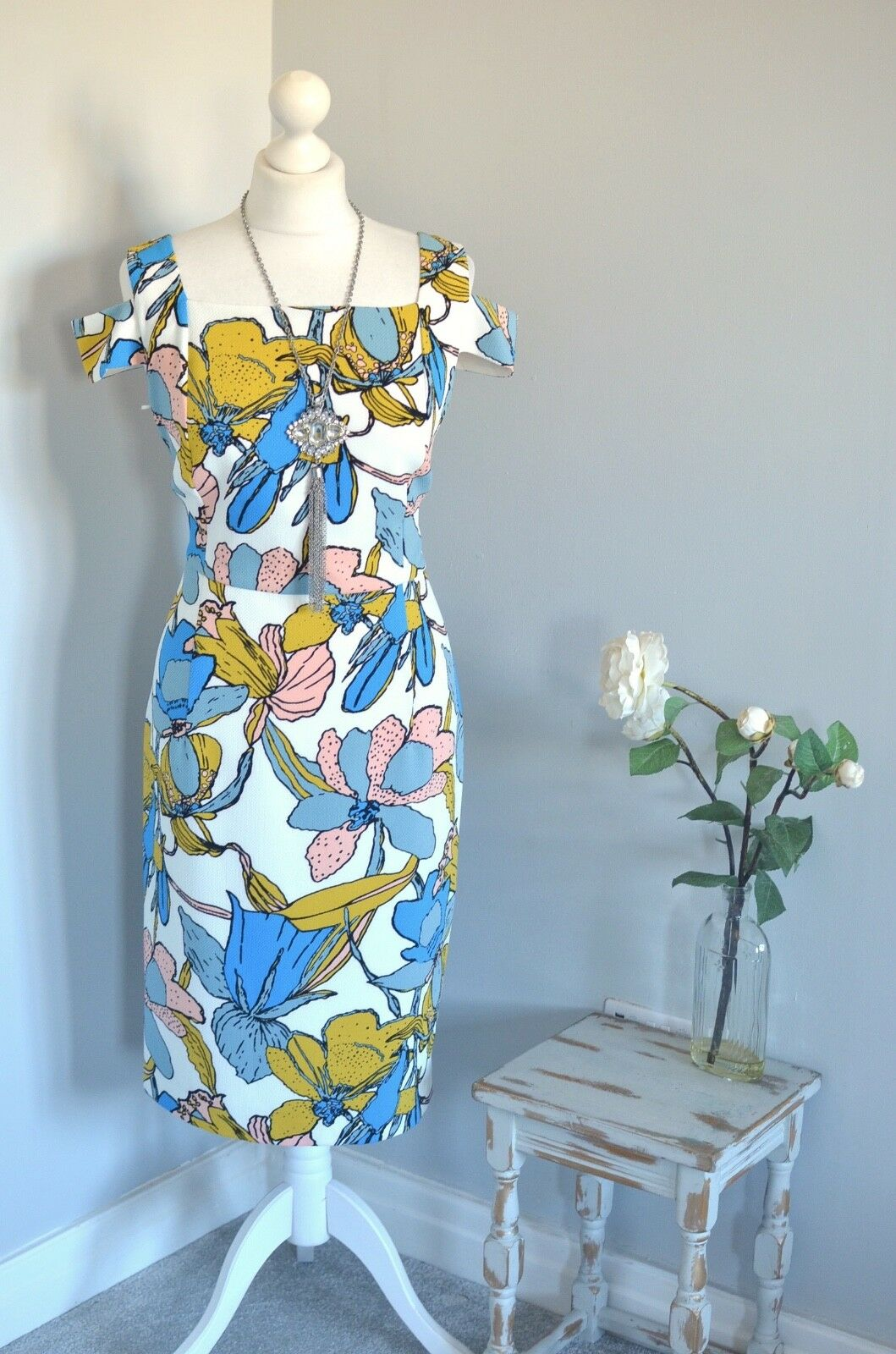 BNWT  HOBBS Taliah vibrant floral cold shoulder wiggle dress 14