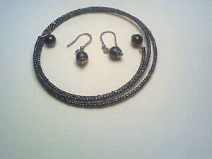 CHOKER STYLE NECKLACE, COILED WIRE WITH TINY PURLPE BEADS & EARRINGS.