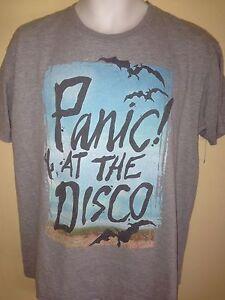 PANIC-AT-THE-DISCO-BATS-MEDIUM-T-SHIRT-POP-PUNK-ROCK-OUT-OF-PRINT