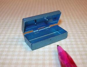 Miniature-Petite-Blue-Metal-Tackle-Box-Hinged-Opens-DOLLHOUSE-1-12-Scale