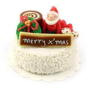 Dolls-House-Miniature-Snowy-Christmas-Cake