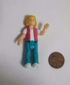 FISHER PRICE Sweet Streets Dollhouse BLONDE TEEN GIRL TEENAGER Country Cottage