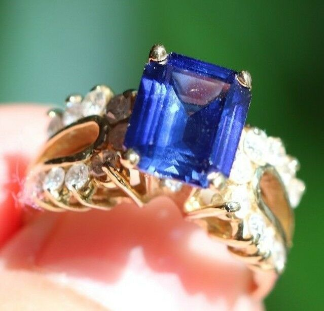 14k Yellow gold 9x7mm Emerald Cut bluee Sapphire Diamond Accents Ring Size 7 5.6g
