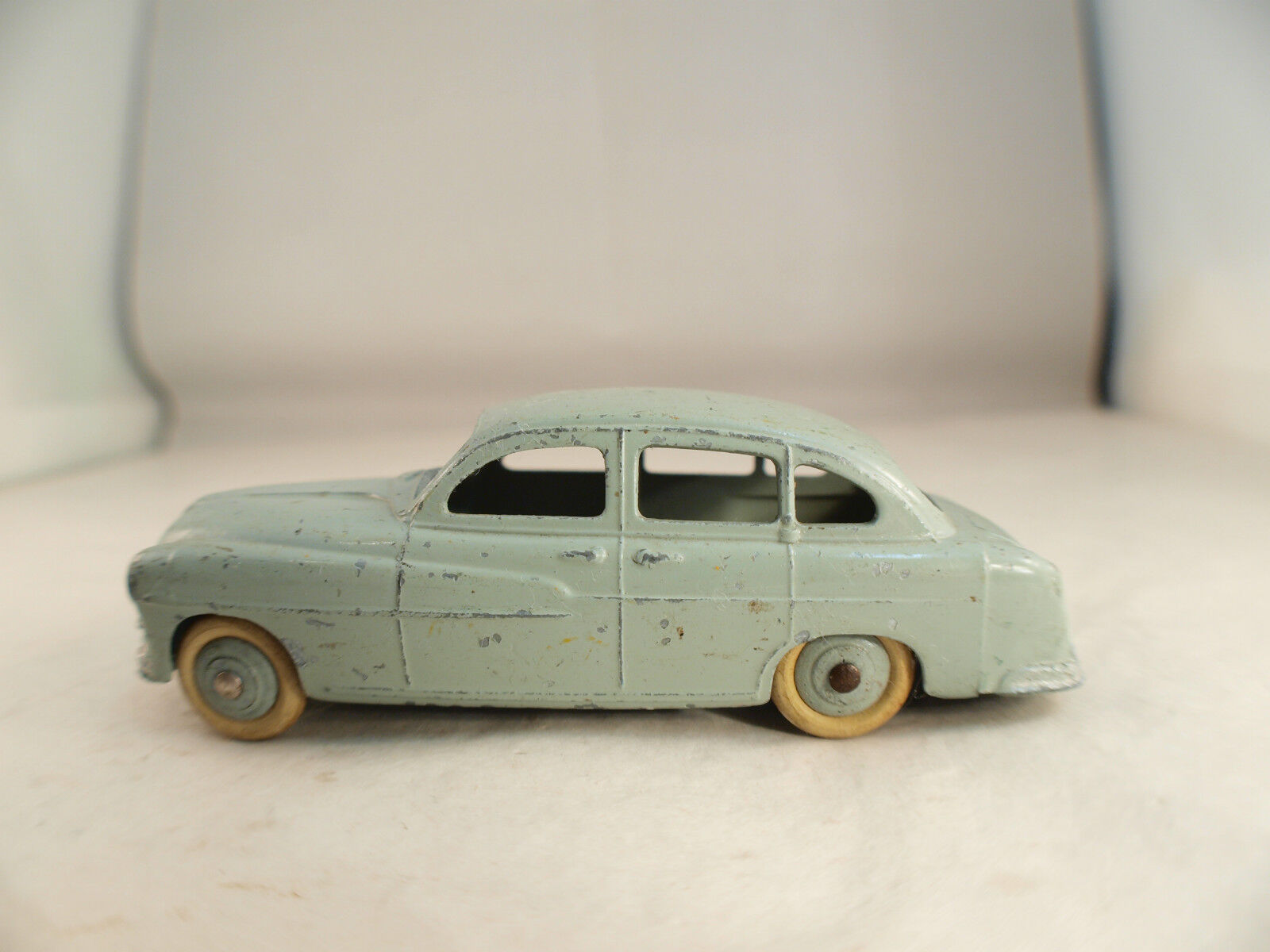 Dinky Juguetes F N º 24 X Ford Vedette