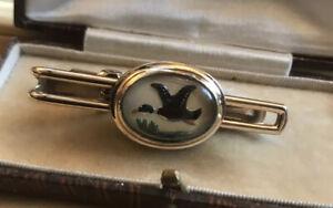 Vintage-Duck-Rock-Crystal-Mother-Of-Pearl-Reverse-Painted-Tie-Clip