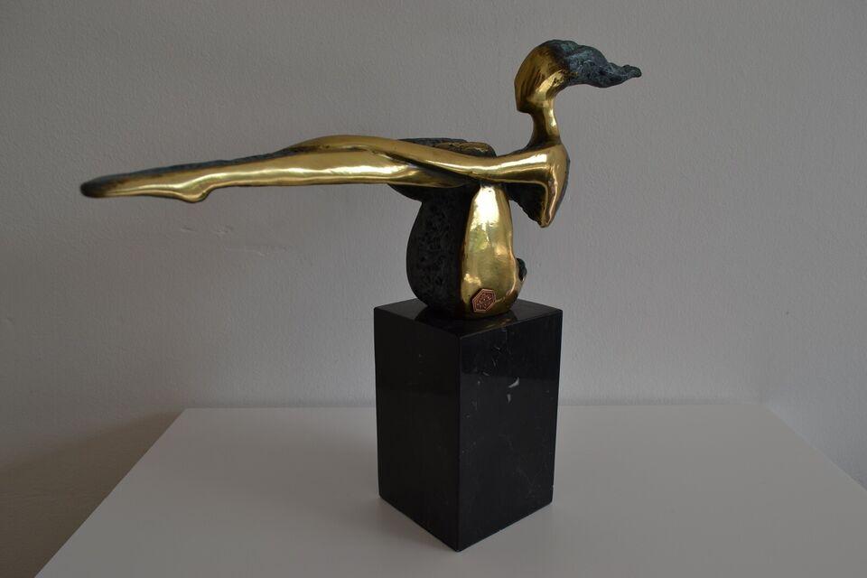 Bronze, motiv: Kvinde/pige