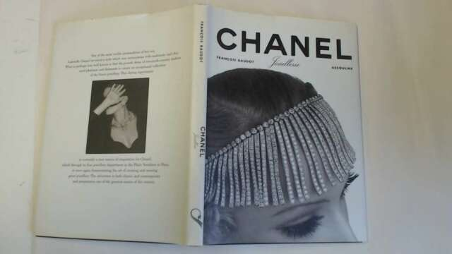Good - CHANEL. Joaillerie - Baudot, François 1999-02-19 The cover is clear of st