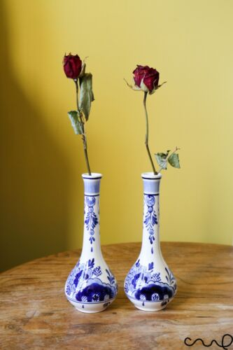 Set 2 Blue White Hand Painted Ceramic Delfts Long Necked Decorative Flower Vase