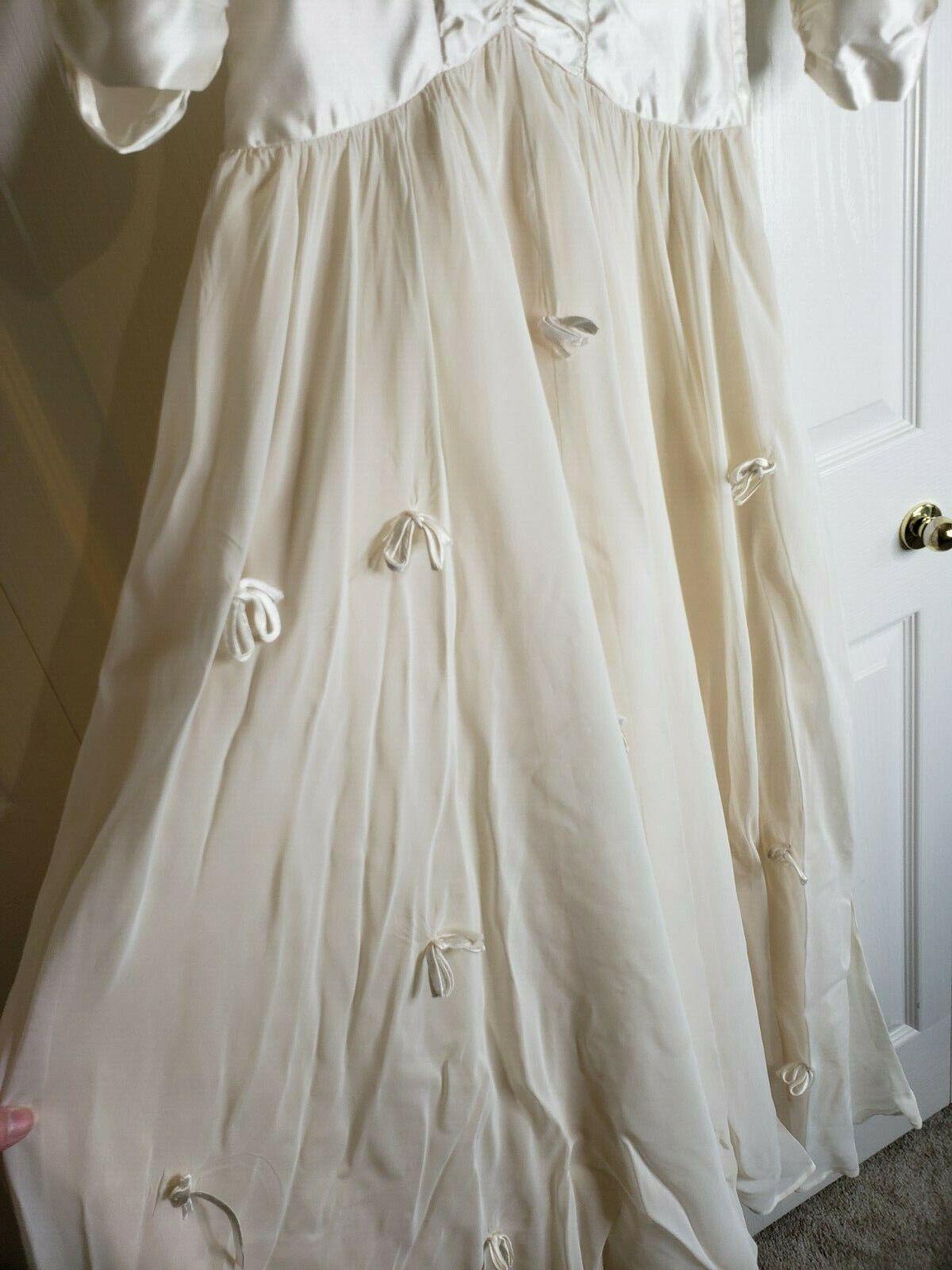 True Vintage 30s 40s White Ivory Satin Silk Chiff… - image 5
