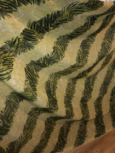 "1 MTR GREEN STRIPE ANIMAL PRINTED CHIFFON DRESS FABRIC...45/"" WIDE £1.99 NEW"