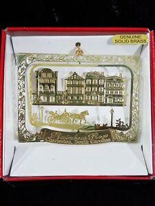 Charleston-Ornament-SC-Rainbow-Row-Brass-Souvenir-Horse-Carriage