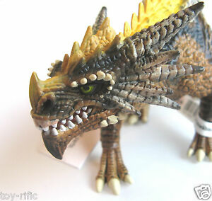 SCHLEICH DRAGONS 70513 - HUNTER WITH OPENING JAW - BRAND NEW WITH TAGS!