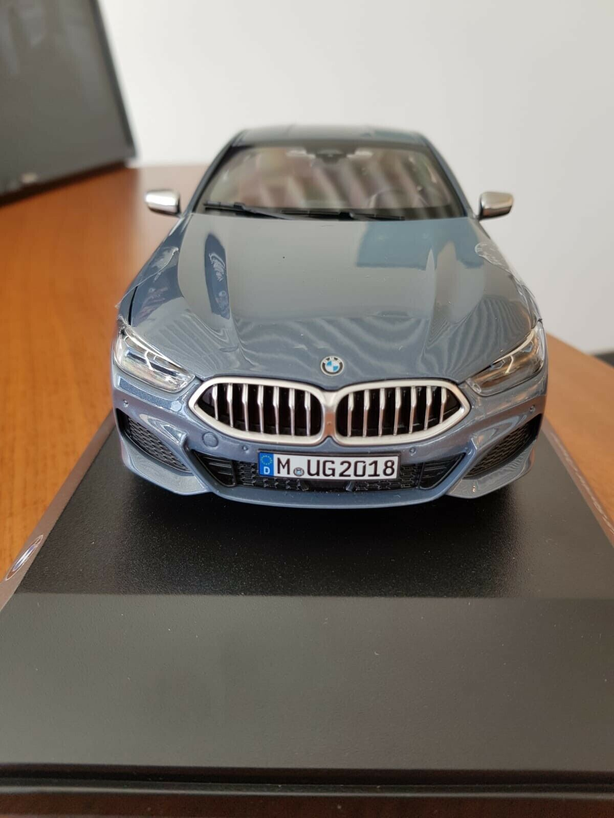 BMW 8er Coupe 1 18 Barcelona bluee scale 1 18