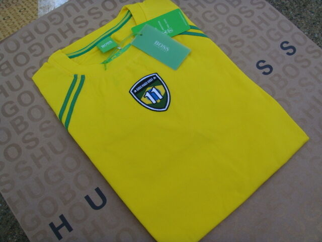 HUGO BOSS STRETCH FIT BRAZIL WORLD CUP FOOTBALL TEAM FLAG SUIT BAG T-SHIRT LARGE